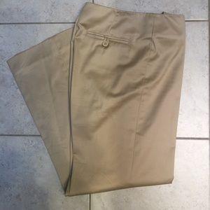 Lilly Pulitzer Khaki Pants size 6 short